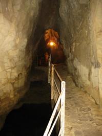 In der Grotte.JPG