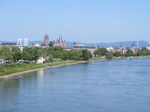 Eisenbahnbrücke Mainz.JPG