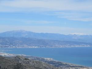 Malaga und Sierra Nevada.JPG