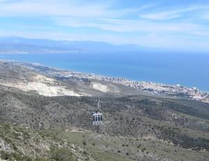 Monte Calamorro - Seilbahn + Sierra Nevada.JPG