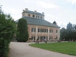 3 Großmutter-Tal Schloß Ratiborice.JPG