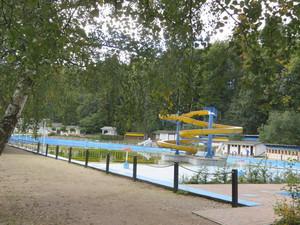 Schwimmbad Rastenberg.JPG