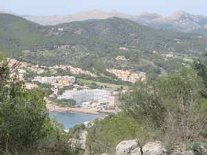 Blick vom Cap Amdritxol nach Camp de Mar.JPG