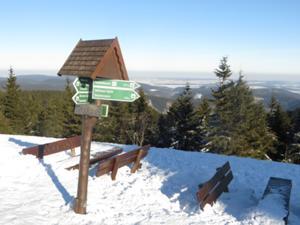 Blick vom Schneekopf ins Geratal.JPG