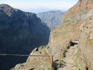 Durch die Felsenwelt Madeiras 3.JPG