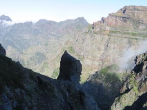 Durch die Felsenwelt Madeiras 5.JPG