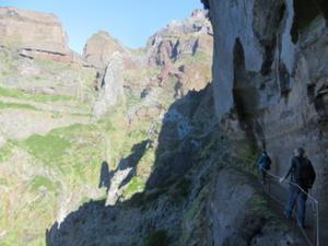 Durch die Felsenwelt Madeiras 6.JPG