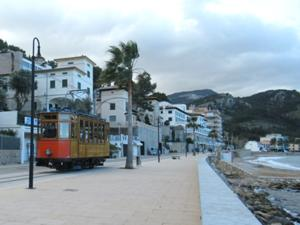 Frühmorgens in Port Soller 2.JPG