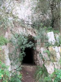 Höhleneingang.JPG