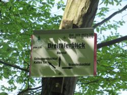 Hinweistafel Drei-Täler-Blick.JPG