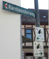 Schilder am Karstwanderweg.JPG