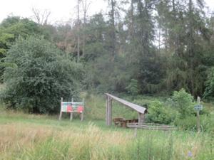 Wanderrast am Enzian Wiesenweg.JPG