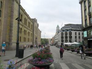 Hauptstraße in Oslo am Abend.JPG