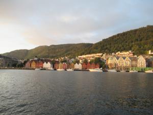 Nordnesparken Bergen am Abend 5.JPG