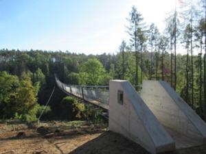 Hängeseilbrücke Hohe Schrecke 1.JPG